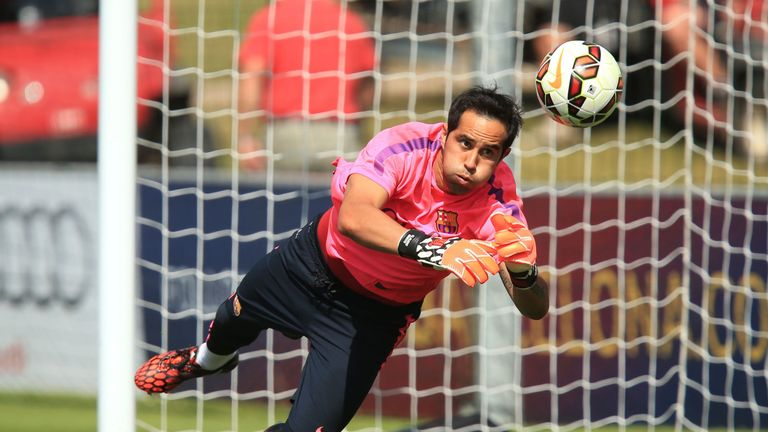 Claudio Bravo could make his Manchester City debut at Old Trafford