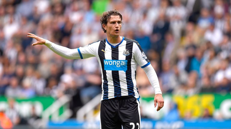 Daryl Janmaat has wrapped up his transfer to Watford