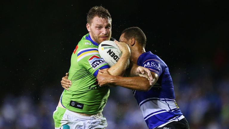 Elliott Whitehead has signed a contract extension with the Canberra Raiders
