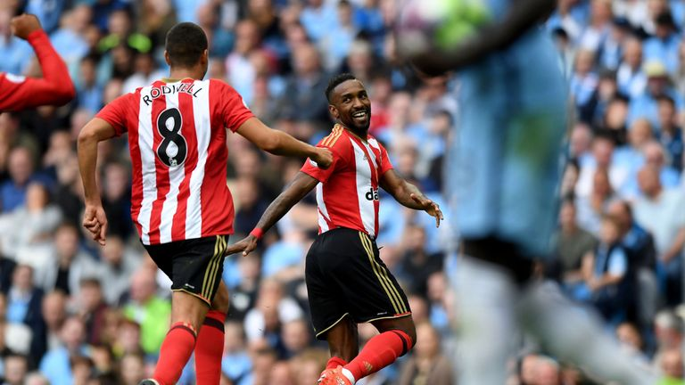 Sunderland's Jermain Defoe celebrates the equalising goal