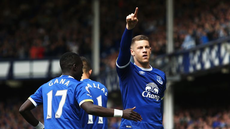 Ross Barkley's free-kick found its way into the far corner on five minutes to give Everton the lead