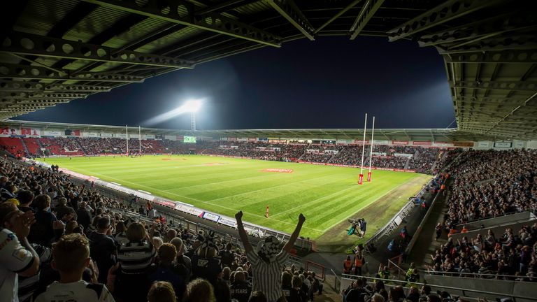 While the official attendance at the Keepmoat Stadium was 10,488, it has been reported that over 7,000 of those were Hull FC fans