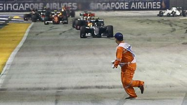 https://e2.365dm.com/16/09/16-9/30/marshal-singapore-f1-gp_3789759.jpg?20160919095234
