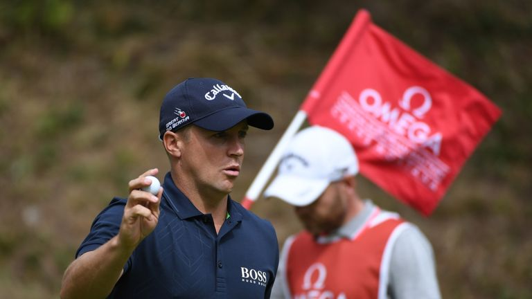 Noren made four consecutive birdies on the front nine to go two clear