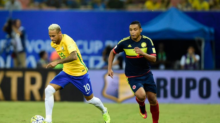 Neymar breaks clear of the Colombia defence