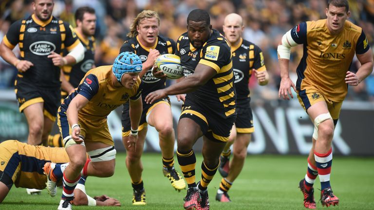 Simon McIntyre on the charge for Wasps