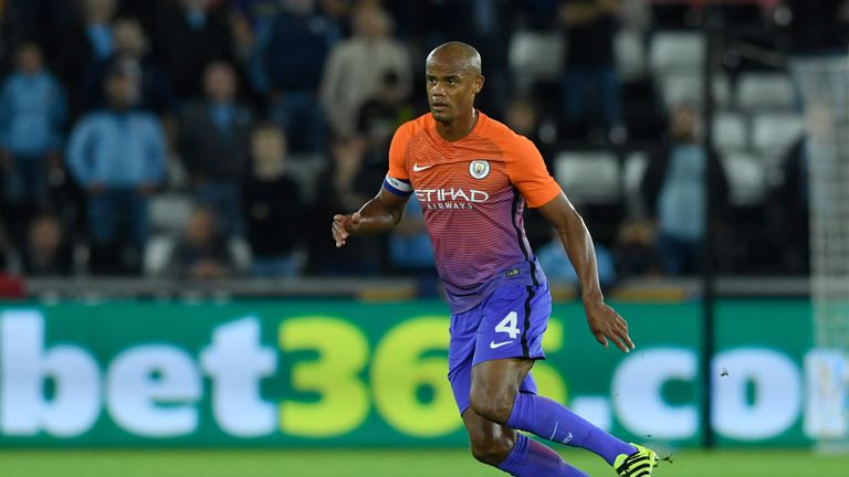 df35a0facd0 Manchester City left sweating after Vincent Kompany injury scare ...