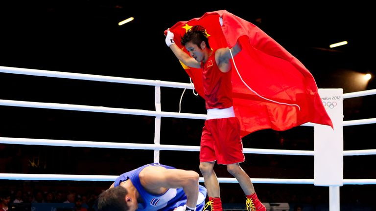 Zou Shiming won back-to-back gold medals
