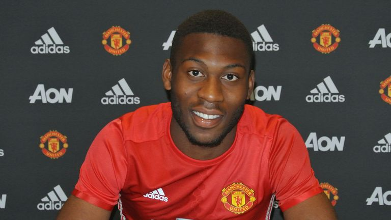 Timothy Fosu-Mensah extends his stay at Old Trafford