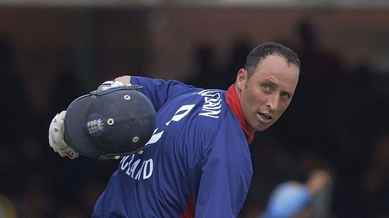 Nasser Hussain reminds the watching media of his position in the batting order in the 2002 NatWest Final against India