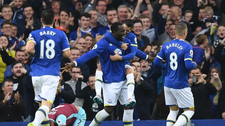 Everton will stroll past Swansea, says Merse