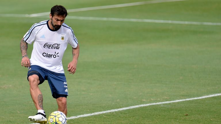 Ezequiel Lavezzi has denied the claim and vowed to take legal action