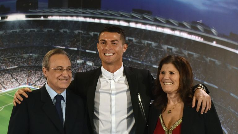 Ronaldo signed a new contract with Real at the weekend