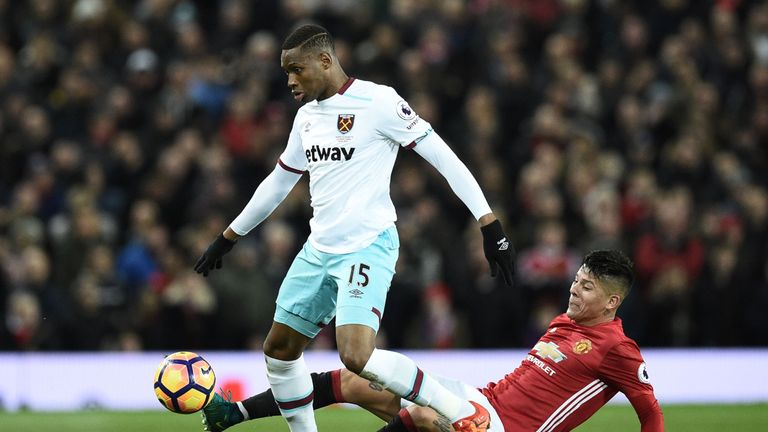 West Ham forward Diafra Sakho could be on the sidelines until March