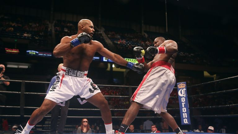 Gerald Washington (l) believes the fight with Deontay Wilder has come at the right time