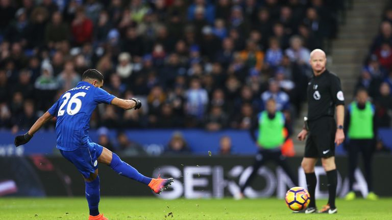 Mahrez converts from the spot to equalise for Leicester