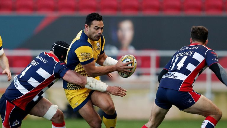 Worcester Warriors Ben Te'o is tackled by Bristol's Dan Tuohy