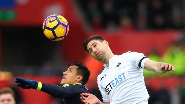 Federico Fernandez is now committed to Swansea until 2020