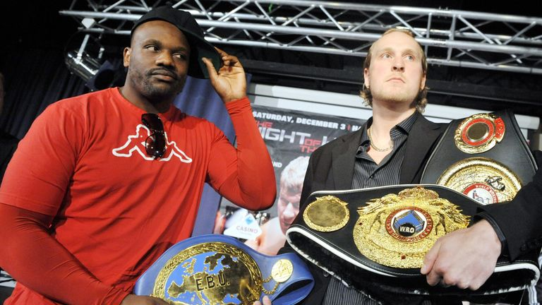 Helenius (R) won a split decision against Chisora