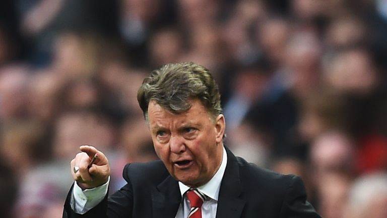 Manchester United players pay tribute to former boss Louis van Gaal