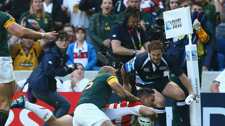 Karne Hesketh scores Japan's highly dramatic, late winning try in their Pool B Test against the Boks