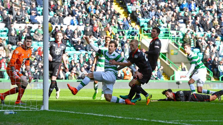 Mikael Lustig Gets A Deft Touch On A Patrick Roberts Cross To Equalise For Celtic