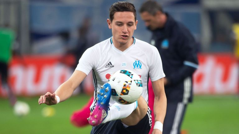 Florian Thauvin could stay in France