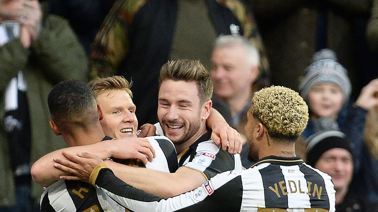 Newcastle beat Wigan 2-1 with goals from Dwight Gayle and Matt Ritchie