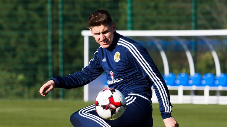 Tom Cairney has been called up to the Scotland squad