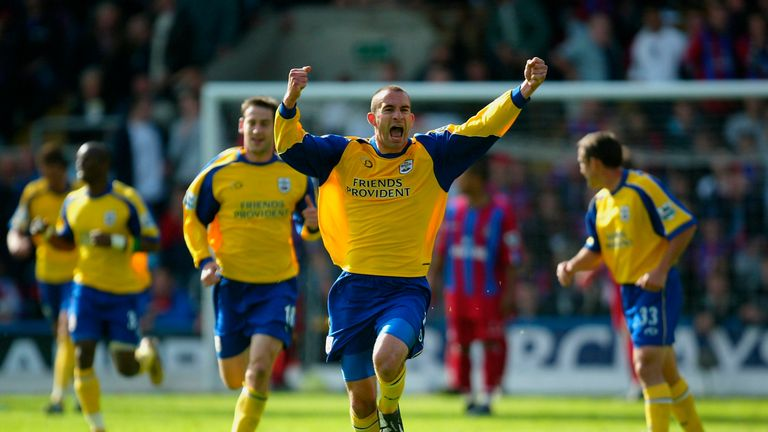Danny Higginbotham celebrates scoring at the right end for Southampton