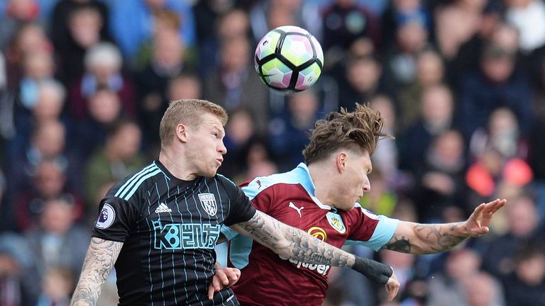 James McClean and Jeff Hendrick compete for the ball at Turf Moor