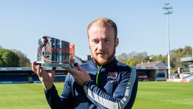 Liam Boyce with his Scottish Premiership Player of the Month Award for April