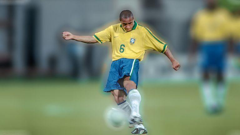 0118767005d Roberto Carlos  brilliant Brazil free-kick against France remembered ...