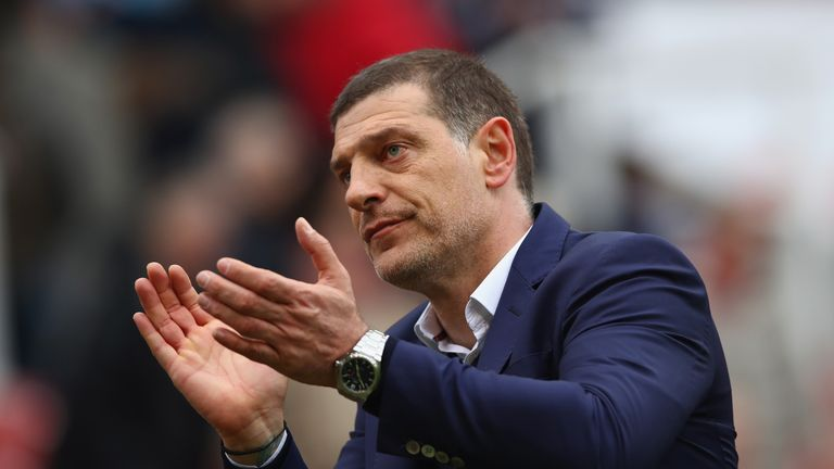 Slaven Bilic applauds Hammers fans during the draw with Stoke