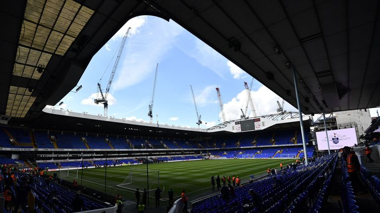 Merse believes if Spurs were playing at White Hart Lane, they would be favourites for the title