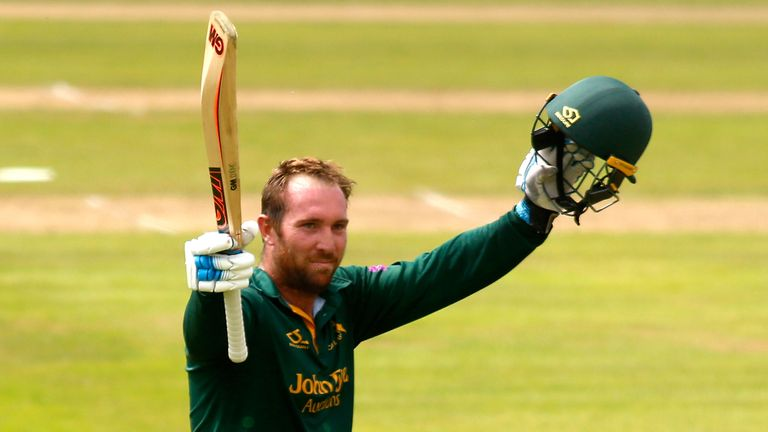 Brendan Taylor hit 17 fours and five sixes in his score of 154