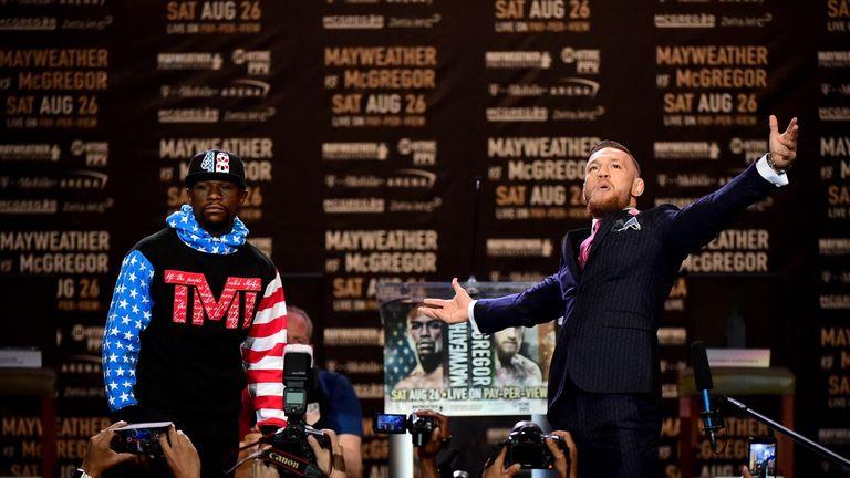 Mayweather Jr looks unimpressed by McGregor
