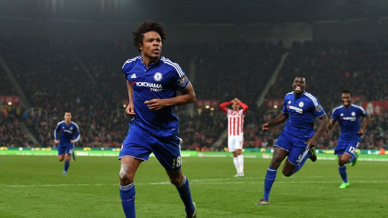 Loic Remy heads to Gran Canaria after joining Chelsea in 2014