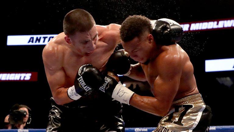 Kevin Newman (r) was beaten by Antonio Hernandez