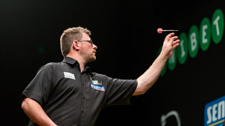 James Wade picked up a vital 5-1 victory over Peter Machin, which eliminated the Australian