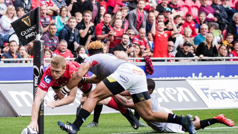 Scarlets began the opening weekend of the season continuing where they finished the last - in flying form