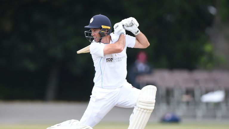 Wayne Madsen's wicket triggered Derbyshire's late collapse against Leicestershire