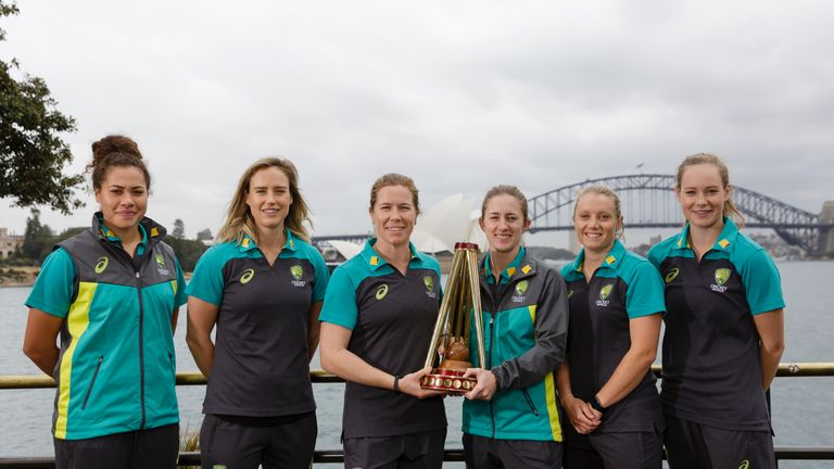 Australia hold the Ashes after winning in England in 2015