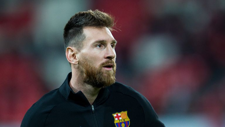 Has Lionel Messi signed a new contract with Barcelona?