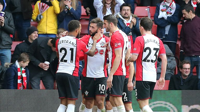 Southampton's Charlie Austin (2nd left) celebrates scoring his side's second goal with his team-mates
