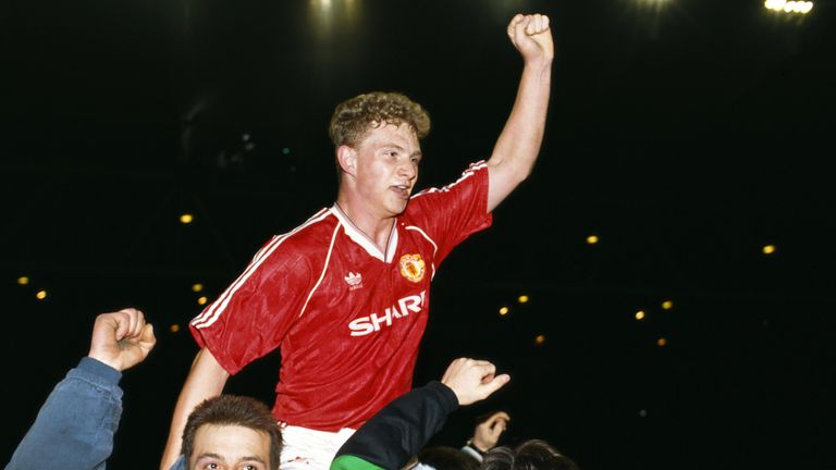 Mark Robins' winner at the City Ground in 1990 is said to have kept Sir Alex Ferguson at Manchester United