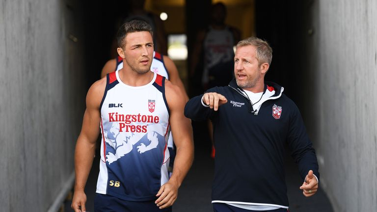 Denis Betts (right) believes England will thrive in the red-hot atmosphere in Auckland