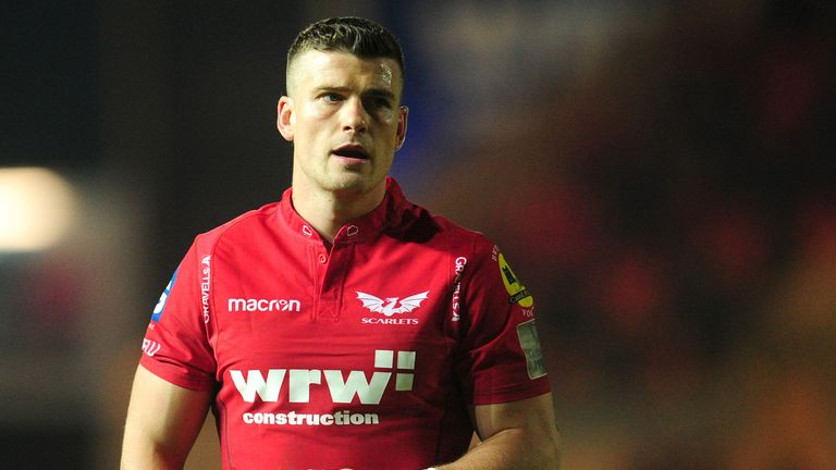 Scott Williams is moving from Scarlets to Ospreys