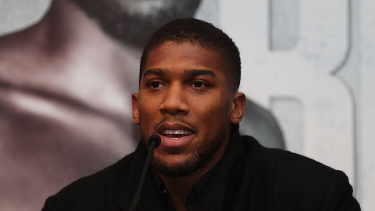 Anthony Joshua acts as a mentor for Lawrence Okolie