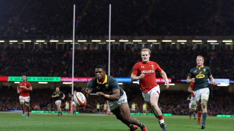Warrick Gelant scores South Africa's first try